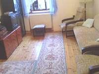 Obývací pokoj - chalupa k pronájmu Vlachovo Březí