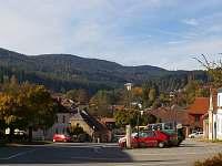 Pohled z náměstí na okolní krajinu - chalupa k pronájmu Vlachovo Březí