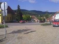 Pohled z náměstí na okolní krajinu - chalupa ubytování Vlachovo Březí