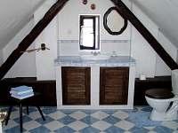 koupelna v podkroví - Dobrkovská Lhotka