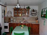 kuchyně - chalupa ubytování Dobrkovská Lhotka