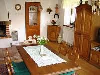 obývák - chalupa ubytování Dobrkovská Lhotka