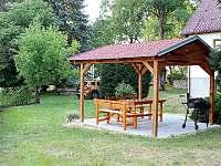 Chata Včelín - venkovní posezení - ubytování Staňkov