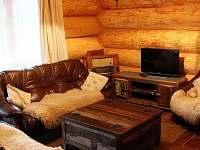 Obývací část - přízemí - srub ubytování Kunžak