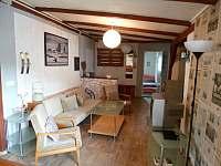 Obývací pokoj - pronájem apartmánu Jindřiš