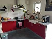 Kuchyně - chata k pronájmu Slupečná