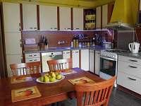 Kuchyně - chalupa k pronájmu Lomnice nad Lužnicí