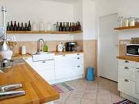 Horní domek - kuchyň. linka