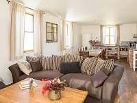 Spodní domek - společná místnost