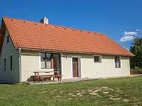 Spodní domek - venkovní pohled