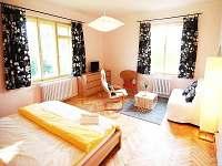Apartmán Kapka pro 2-5 osob - celkový pohled na ložnici