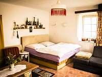 Obývací pokoj - ložnice