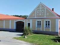 Chalupa k pronajmutí - okolí Borkovic