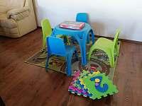 Dětský koutek v obývací místnosti - Vlastiboř