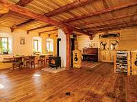 Žabovřeský Mlýn - společenský sál a součást apartmánu v přízemí - chalupa k pronájmu