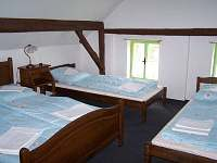 První ložnice v podkroví