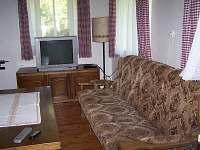 Společenská místnost - obývák - chalupa ubytování Hněvanov