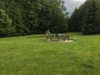 zahradní posezení - chalupa k pronájmu Nakolice