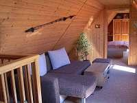 Průchozí obývací pokoj
