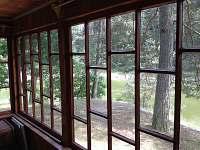 pohled z prosklené terasy