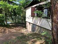 Přední část chaty - k pronájmu Chřešťovice