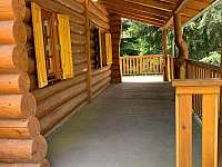 Krytá terasa - srub ubytování Jetětice