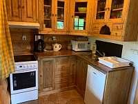 Kuchyně - pronájem srubu Jetětice