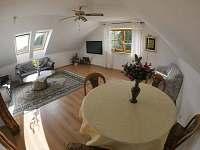 Velký  ap. obývací  pokoj