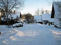 Příjezd k domu - zima