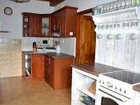 Kuchyň - pronájem chalupy Omlenička