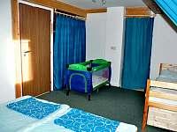 Možnost dětské postýlky - apartmán k pronájmu Byňov u Nových Hradů