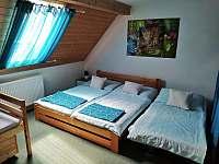 Možnost přistýlky v ložnici - apartmán k pronajmutí Byňov u Nových Hradů