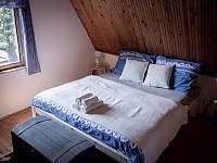 Ložnice/ manželská postel