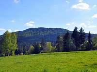 Výhled na kopec Luč (lidově Jeleňák)