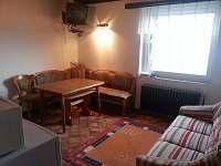 jídelní kout - apartmán k pronájmu Přední Výtoň