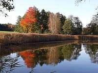 Lásenická humna na podzim - chalupa k pronájmu