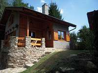 chata Cetoraz - celkový pohled ze západu
