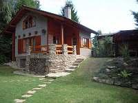 chata Cetoraz - pohled z boku - k pronájmu