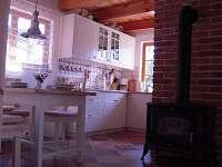 jídelna + kuchyňský kout - chata ubytování Cetoraz