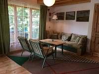 obývací místnost - pronájem chaty Cetoraz
