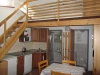 Kuchyňský kout a soc. zařízení