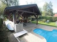 Altán s vyhřívaným bazénem