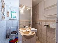 Chata Vlachnovice - koupelna s WC a sprchou -