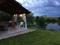 Chaty na rybníku Slávek - Lžín