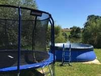 Chaty na rybníku Slávek-trampolína,bazén - Lžín