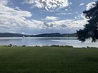 Jezero v lete - Lipno nad Vltavou