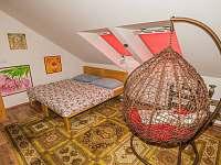 Další ložnice s houpačkou