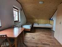 1. patro, čtyřlůžkový pokoj č.4 - Chlum u Třeboně