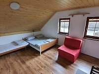1. patro, třílůžkový pokoj č.3, možnost přistýlky - Chlum u Třeboně