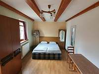 přízemí, dvoulůžkový pokoj č.1, možnost 4 lůžek - rekreační dům k pronajmutí Chlum u Třeboně
